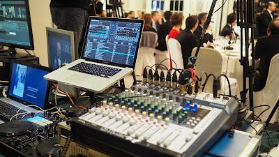 Acoustic Events equipa y realiza la Gala de los Recursos Humanos.