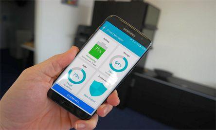 إضافة Smart Manager الذي يُمكنك من حماية هاتفك من الفايروسات والتحكم بوحدة التخزين والرام والبطارية من مكان واحد ويُمكن إضافته كويدجت في الصفحة الرئيسية للتطبيق