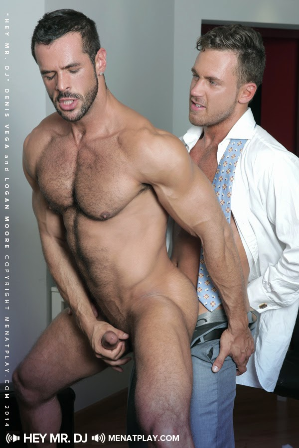 Jessy ares and james corwin hard at work 9