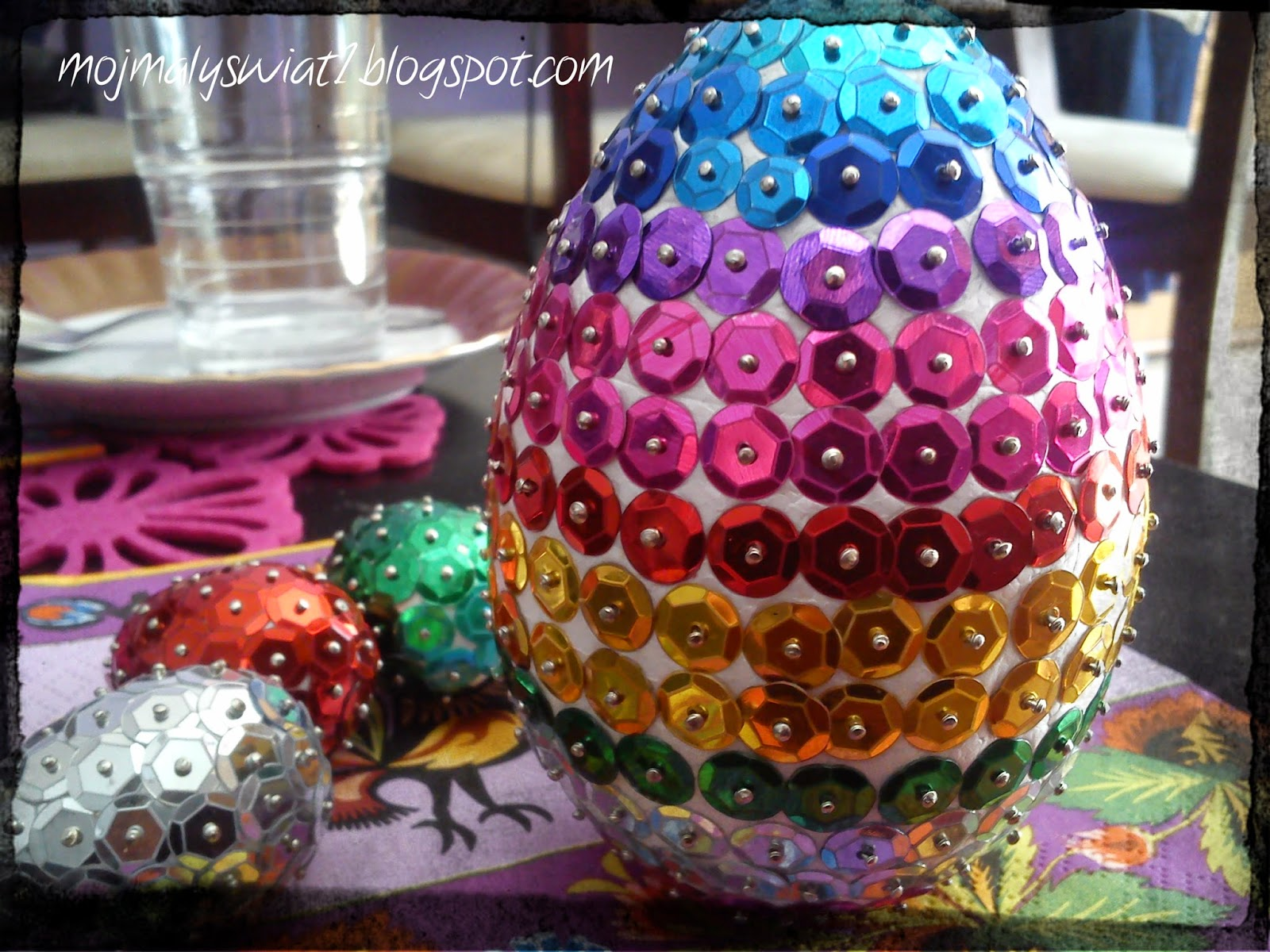 cekinkowe jajko
