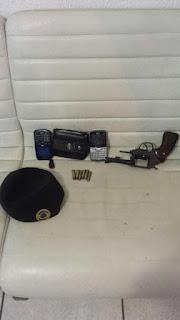 Elemento foge de bloqueio da Guarda Civil de Cotia é perseguido e acaba detido por porte ilegal de arma de fogo