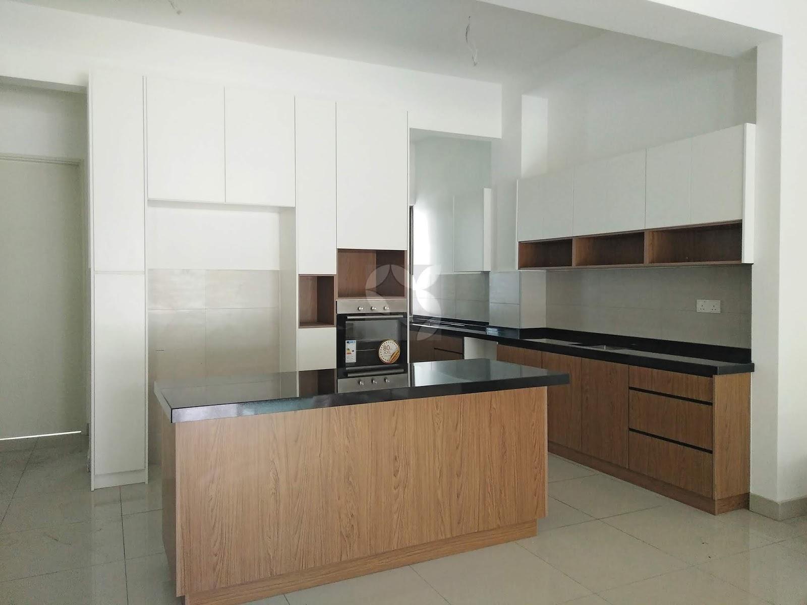 Sophie Al-Yahya: Kitchen Cabinet di Lake Point Residence