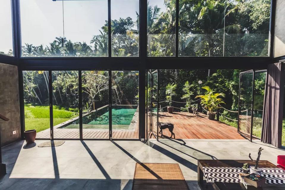 rekomendasi villa di ubud dengan kolam renang pinggir sawah