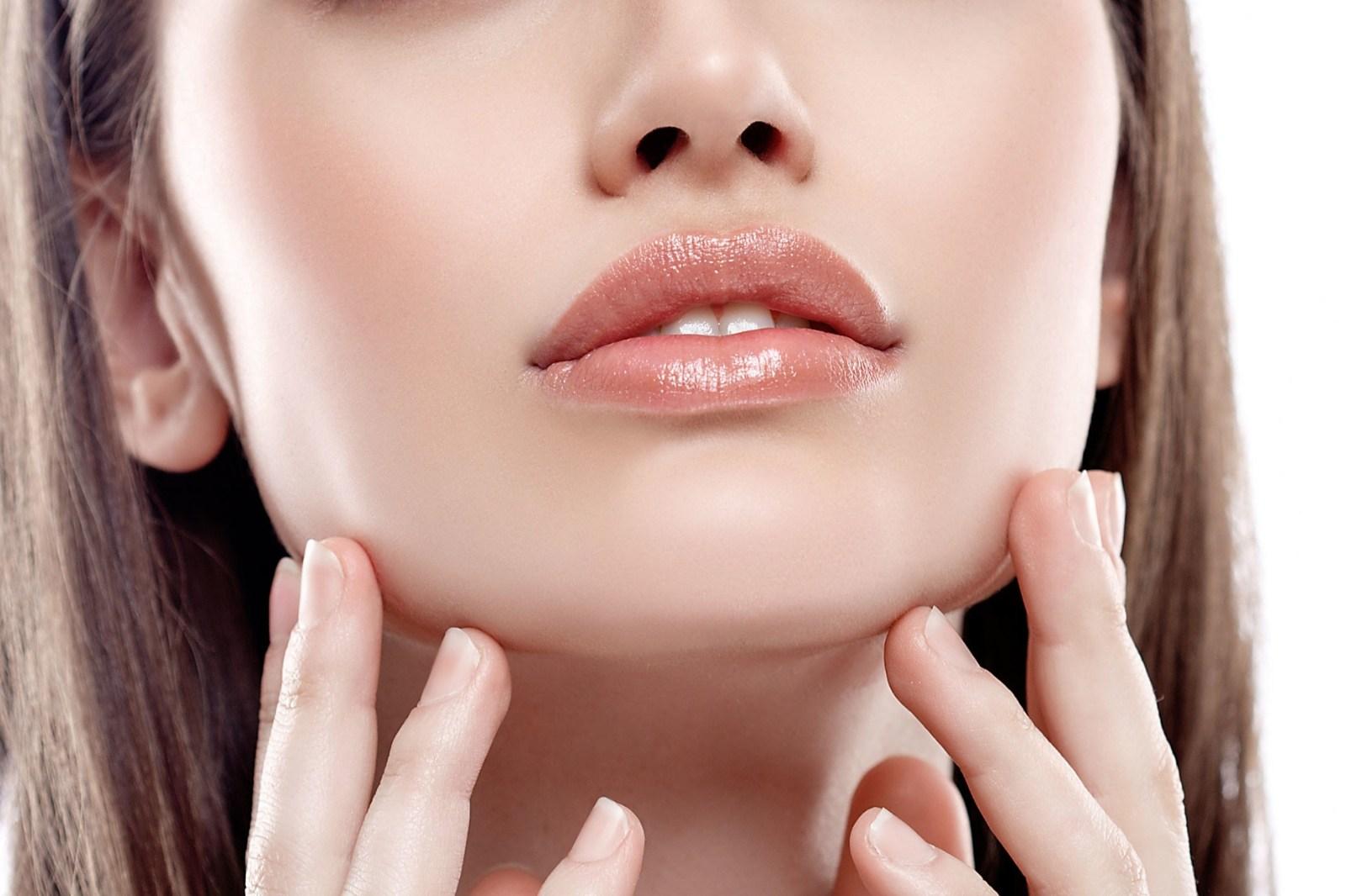 Cara Mengatasi Bibir Hitam Secara Alami Menggunakan Lemon