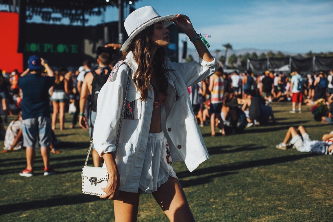 girls at the fashion festival coachella 2017