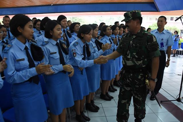 Panglima TNI :  Siswa SMA TN Harus Miliki Karakter dan Komitmen Yang Tinggi