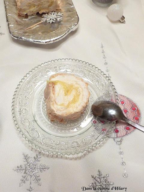 Pavlova roulée comme une bûche au lemon curd au limoncello