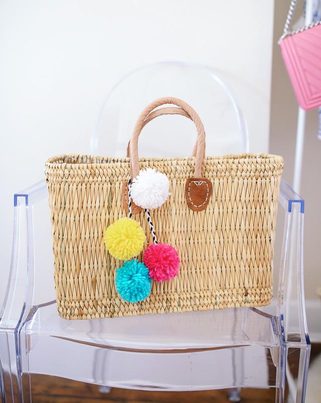 CUTE DIY pom pom charm for straw bags