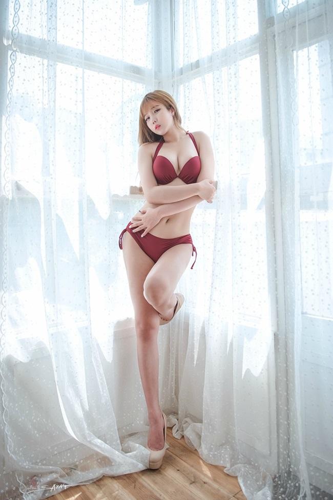 Nữ MC Go Kim Eun sở hữu thân hình khiêu gợi