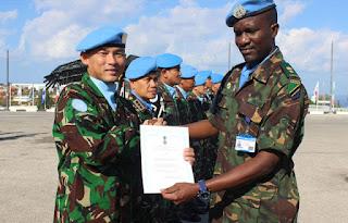Keren Pasukan TNI yang bertugas di Lebanon Terima Brevet Penghargaan dari Negara Tanzania - Commando