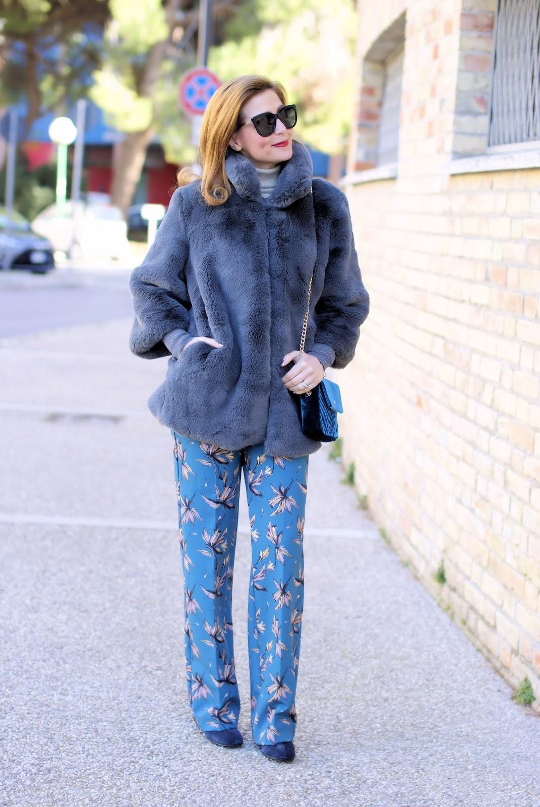 How to wear floral pants in Winter: a 70s inspired outfit on Fashion and Cookies fashion blog, fashion blogger style