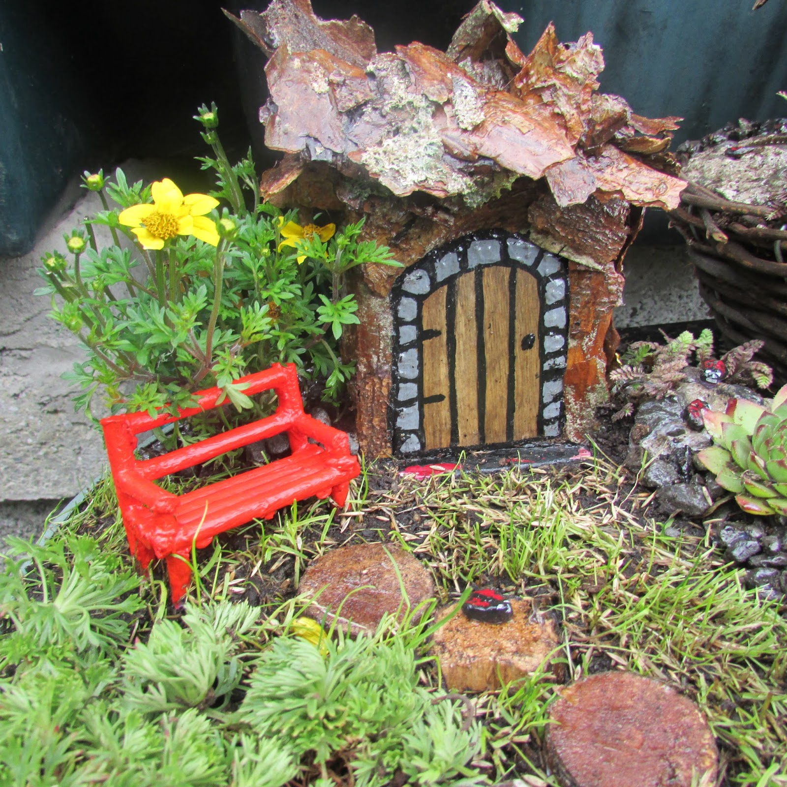 Incredible Fairy Doors Fairy Gardens How To Make Fairy Garden Furniture Ibusinesslaw Wood Chair Design Ideas Ibusinesslaworg