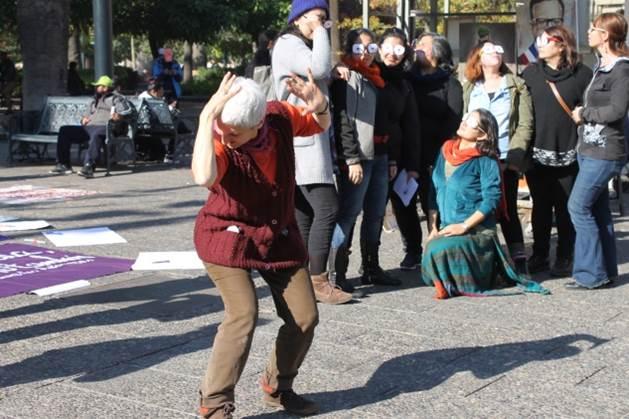 No m s violencia contra las mujeres en la puntada for No mas 900 oficina directa