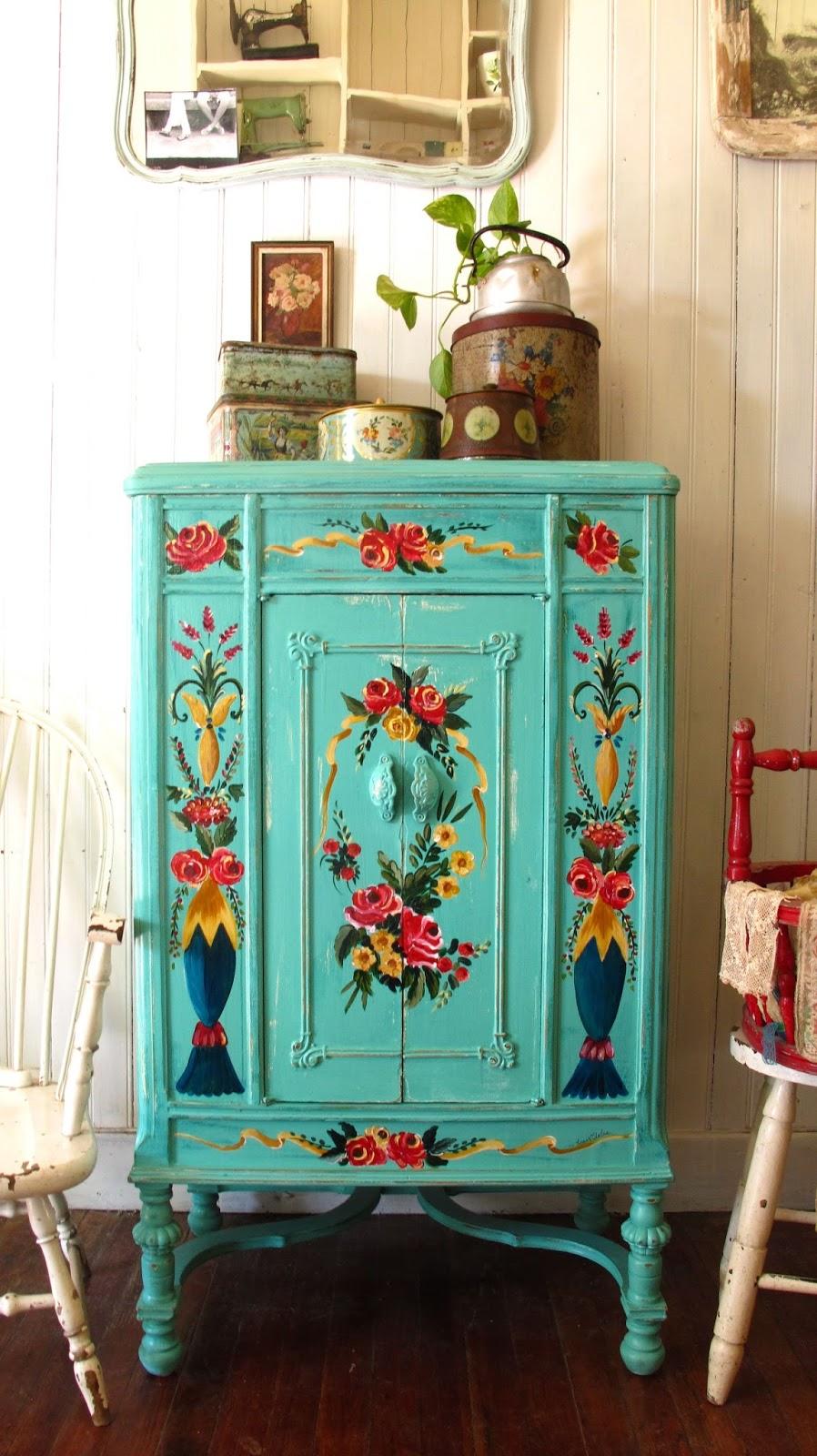 Noemi Silvera Muebles Objetos Pintados A Mano Coloridos Y Con  # Muebles Restaurados Vintage