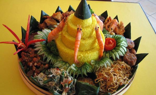 Resep Nasi Tumpeng Khas Bali
