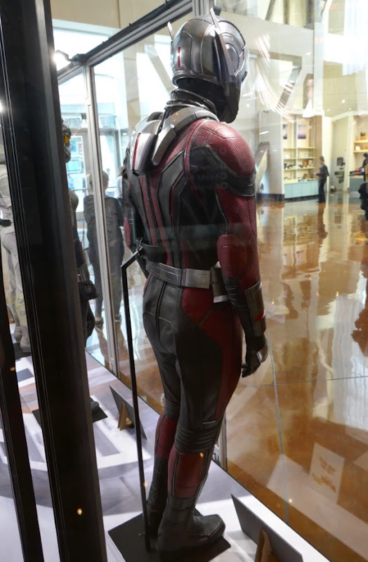 Ant-Man 2018 costume back
