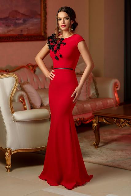 rochie rosie lunga de seara cu broderie neagra