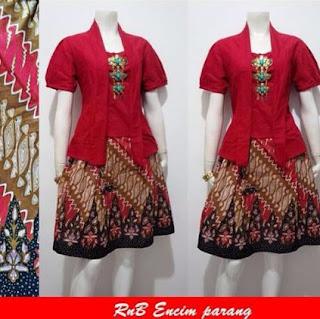 Gaun batik remaja wanita