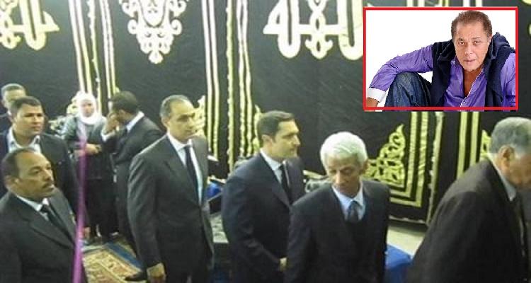 عاجل | شاهد ما حصل لعلاء و جمال مبارك لحظة وصولهما عزاء محمود عبد العزيز