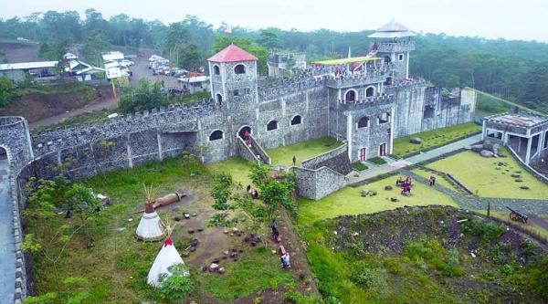 tempat wisata di Sleman The Lost World Castle Jogja