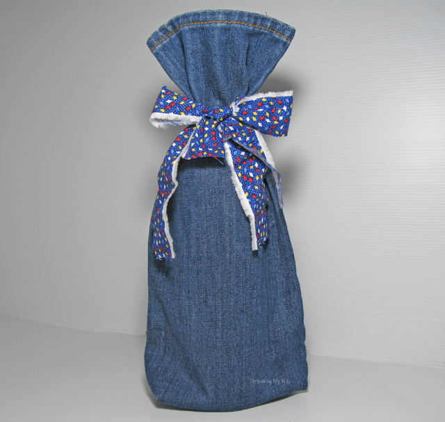 How to make a re-usable wine bottle gift bag - re-purposed from one leg of a pair of pre-loved  jeans.