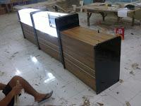 Etalase Display Toko Roti Sekaligus Penghangat – Furniture Semarang