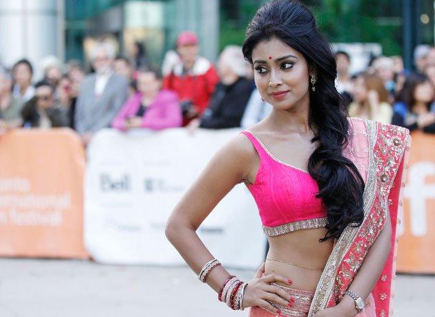 Shriya Saran Latest Photos In a Pink Saree