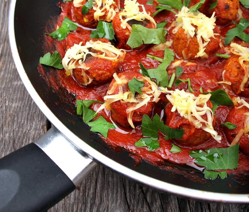 Oppskrift Vegoboller Kjøttfrie Tapasboller Bønneboller Tofu Kikerter Hjemmelaget Tapas Tomatsaus