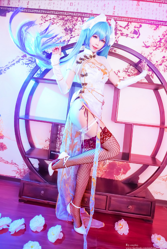Cosplayer: Ely (E子) / Character: Hatsune Miku / VOCALOID