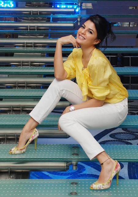 nude porn gallery: Jacquiline Fernandez sri lankan actress