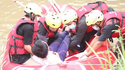 PMI Kota Tangerang Menggelar Simulasi Bencana bagi Calon Relawan