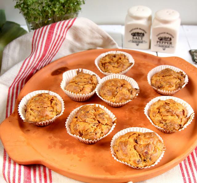 muffinki, wytrawne muffinki, muffinki wytrawne, muffinki z porem i boczkiem, muffinki wytrawne przepis,