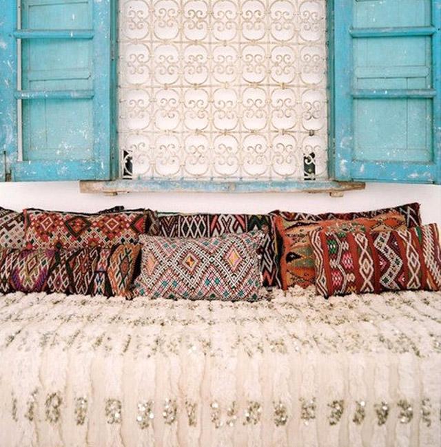 Couverture blanche et sequins  Handira