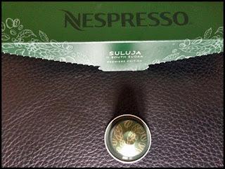 Capsule et étui de Nespresso Suluja
