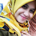 Jilbaber Cantik Narsis Pisan di Depan Kamera Buat Profil Media Sosial