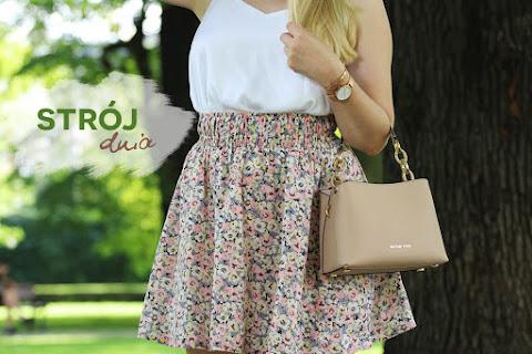 Strój dnia | Biały top i spódnica w kwiaty - czytaj dalej »