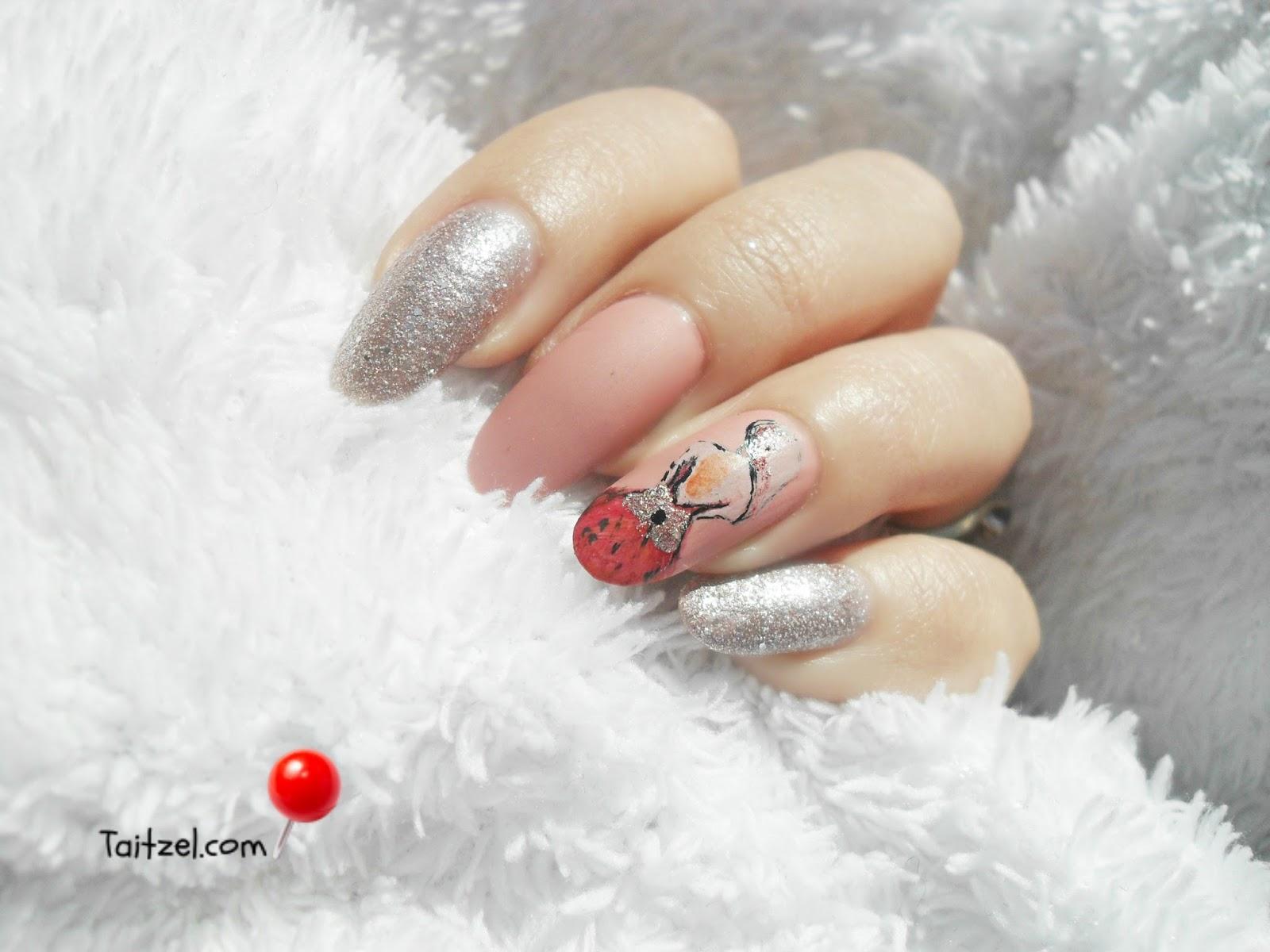 Model de unghii cu oja roz si pictura - pink nail art