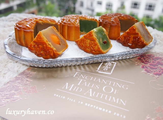 mid-autumn festival park hotel group mooncakes review
