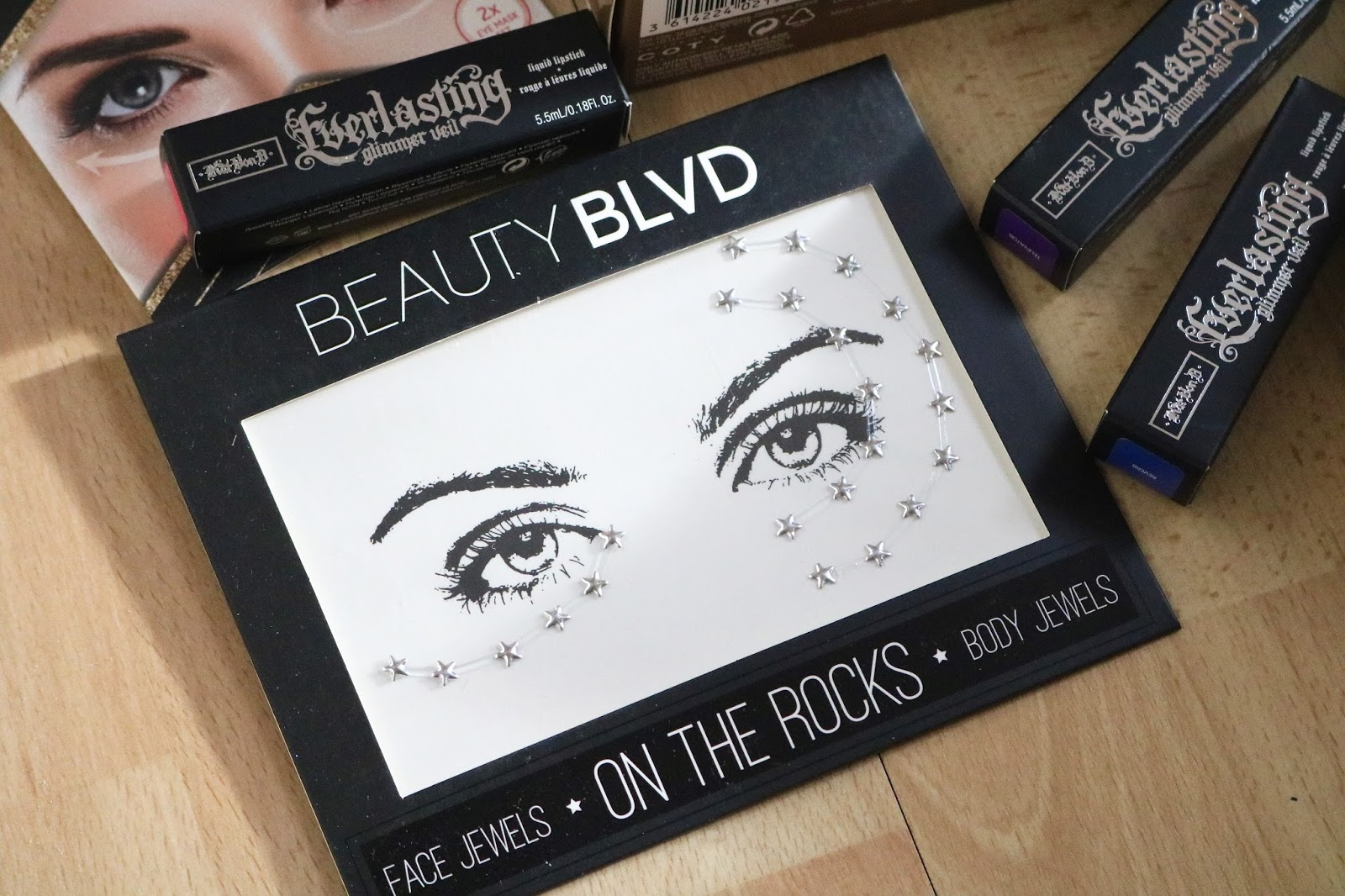 beauty blvd on the rocks face gems