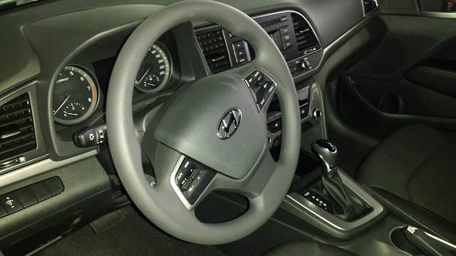 New Hyundai Elantra 2017 - painel
