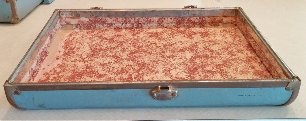 Old suitcase lid