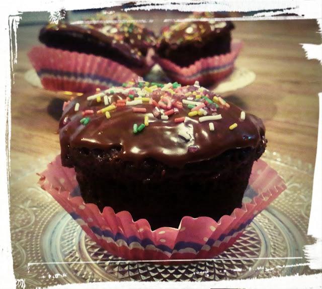 muffinki piernikowe babeczki piernikowe z mikrofali ciastka z mikrofalowki babeczki z kuchenki mikrofalowej szybkie muffinki muffinki o smaku piernikowym