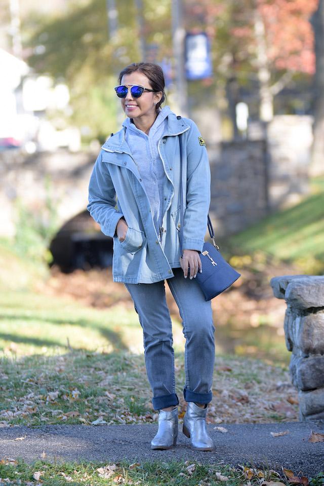 Wearing: Jacket: LightInTheBox Boots: Charlotte Russe (Similar Here)
