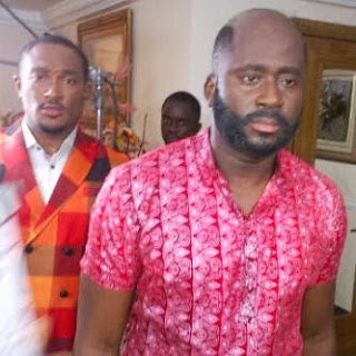 desmond elliot shaves ahead