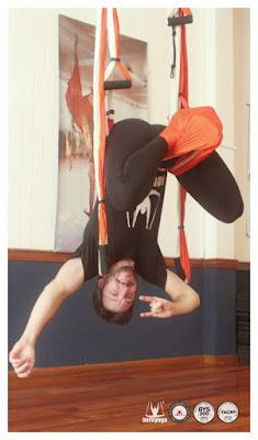 yoga, aeroyoga, aerial yoga, yoga aereo, air yoga, gravity, gravedad, argentina, cordoba, profesorado, formacion, profesores, cursos, teacher training, columpio, trapeze