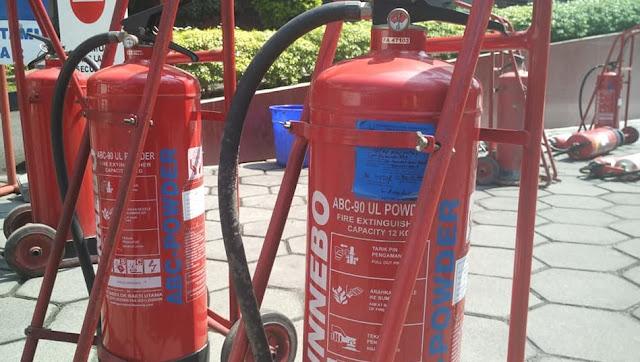Cara Mengecek Alat Pemadam Api Ringan (APAR)