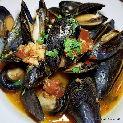 Cafe Malta mussels