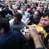 Bolsonaro é esfaqueado durante ato de campanha em Minas Gerais