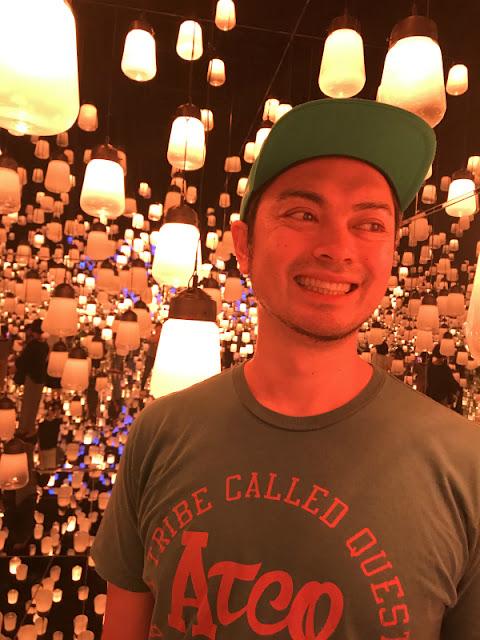 東京のお台場で開催中の光の祭典「チームラボ」へ行った時の写真です。