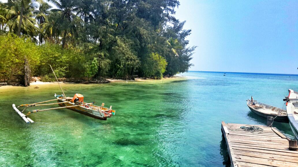 Wisata Pulau Sangiang Banten